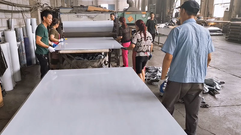 Production process for stainless steel NO.4 plate