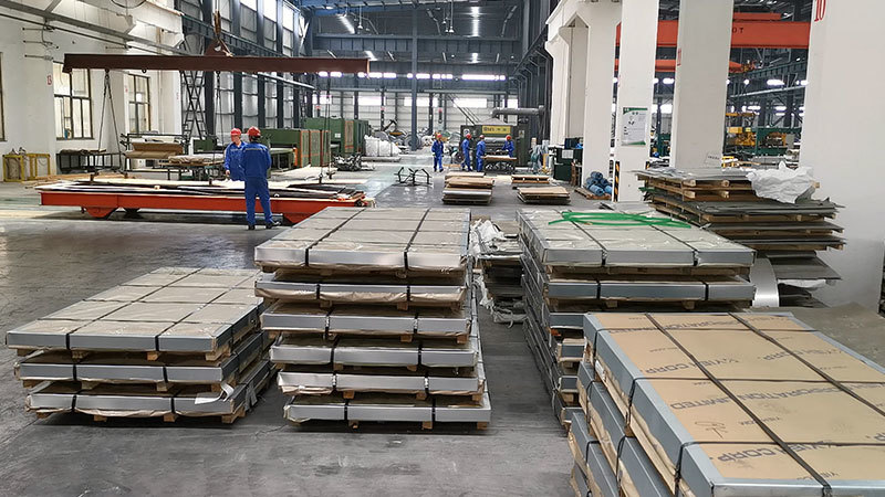 Warehouse for exporting   stainless steel sheet